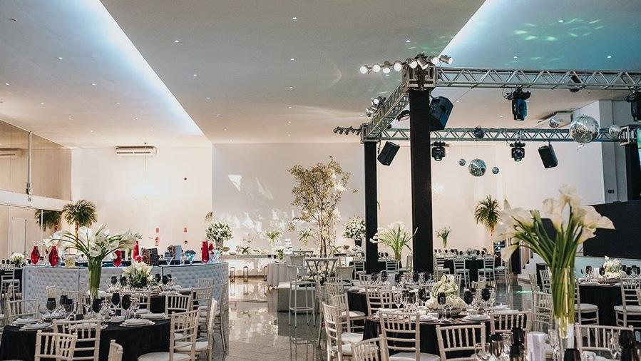 Terrific Salao De Festas Para Casamentos E Eventos Campinas Sp Home Interior And Landscaping Spoatsignezvosmurscom