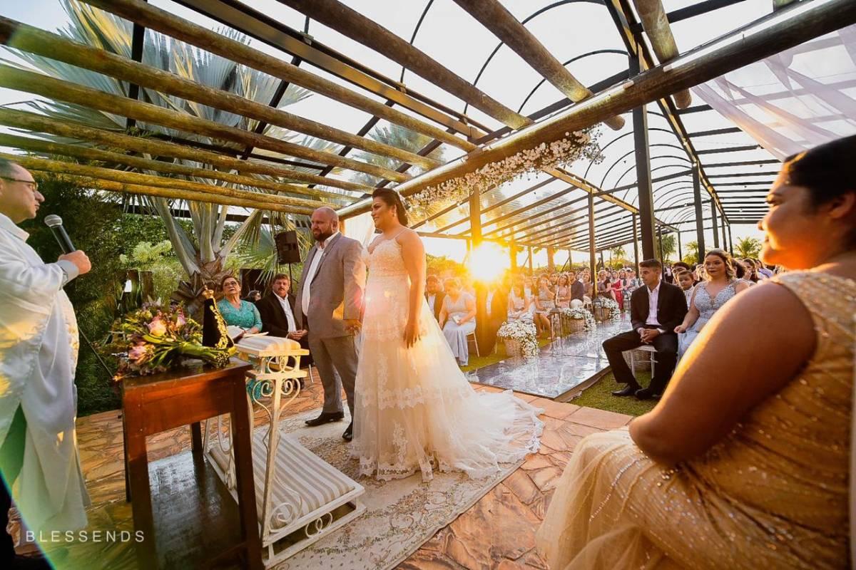 img-cerimonia-casamento-ar-livre-32