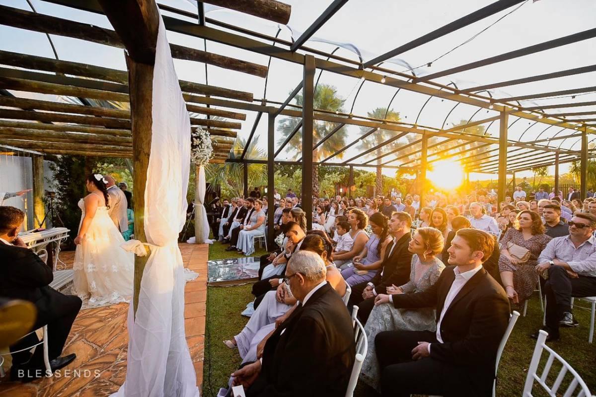 img-cerimonia-casamento-ar-livre-33