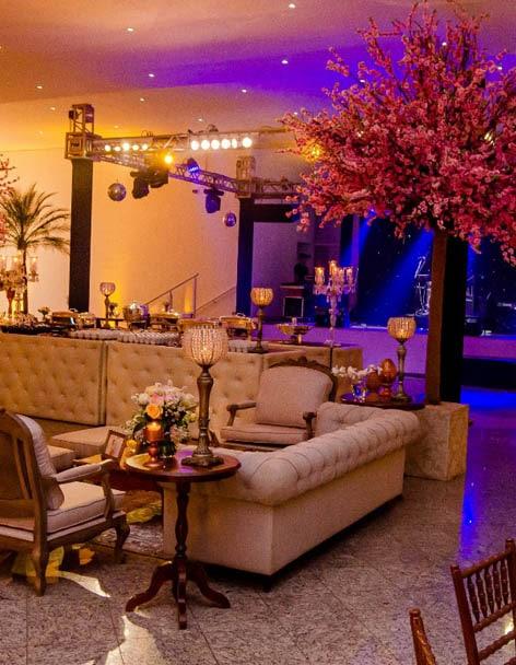 Salão de Festa de Casamento com Flores de Amoreira